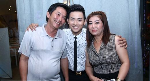 Hoài Lâm và bố mẹ ruột - Tin sao Viet - Tin tuc sao Viet - Scandal sao Viet - Tin tuc cua Sao - Tin cua Sao
