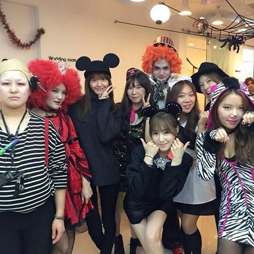 Yoona và Tiffany cũng không bỏ lỡ lễ hội hóa trang này