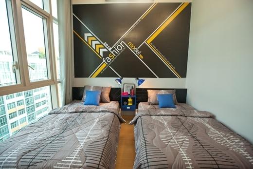 Phòng ngủ nam mang lại cảm giác nam tính với gam màu trung tính.
