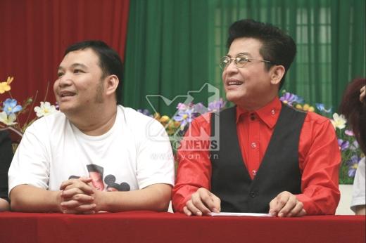 Đạo diễn - Nhạc sĩ Nguyễn Hà và MC Thanh Bạch.