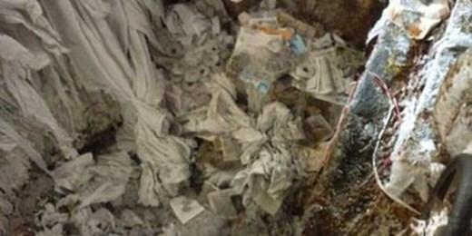 Chính vì vậy, lò chứa bột giấy thải bao giờ cũng lẫn rất nhiều mực in, phẩm màu, tạp chất.