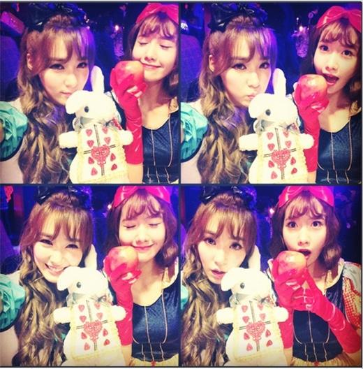 Chưa hết hào hứng với buổi lễ Halloween hôm qua, Tiffany tiếp tục khoe hình tạo dáng đáng yêu cùng nàng 'bạch tuyết' Yoona khiến fan vô cùng thích thú.