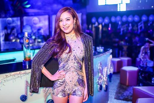 Là một trong những nữ nghệ sĩ đầu tiên của Việt Nam theo đuổi hình ảnh pop dance, Hoàng Thùy Linh không ngại thử thách mình ở nhiều dòng nhạc khác nhau như pop ballad hay chill out (điển hình là ca khúc Rơi), hay gần đây nhất là thể loại EDM đang là xu hướng thịnh hành trên thế giới (Crazy, Last Time, High). - Tin sao Viet - Tin tuc sao Viet - Scandal sao Viet - Tin tuc cua Sao - Tin cua Sao