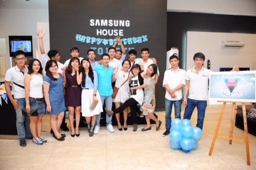 Màu xanh chủ đạo xuất hiện xuyên suốt buổi sinh nhật đặc biệt của anh bạn 24 tuổi Đỗ Lâm Minh Tâm