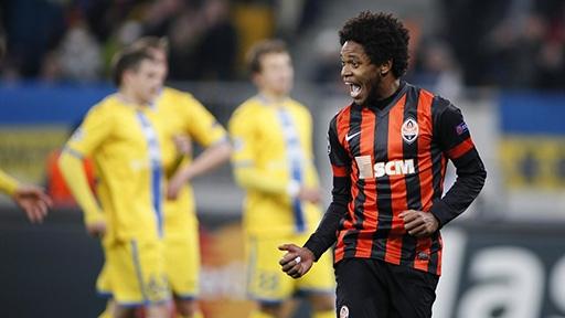 Luiz Adriano (9) đã có 9 bàn tại Champions League 2014/15