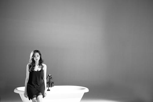 """""""Anh ở đâu"""" được sáng tác bởi nhạc sĩ Dương Khắc Linh, trích từ album vol 2, """"Giờ em đã biết"""" vừa phát hành vào đầu tháng 10. - Tin sao Viet - Tin tuc sao Viet - Scandal sao Viet - Tin tuc cua Sao - Tin cua Sao"""