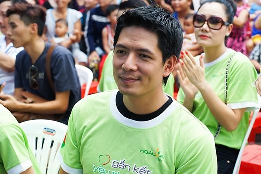 Diễn viênBình Minhcũng có mặt tại hoạt động 'Gắn Kết Yêu Thương'.