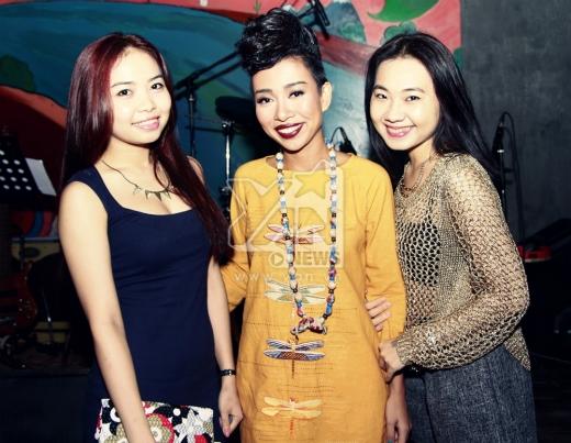 Những người bạn thân thiết của Thảo Trang cũng đến chung vui cùng cô. - Tin sao Viet - Tin tuc sao Viet - Scandal sao Viet - Tin tuc cua Sao - Tin cua Sao