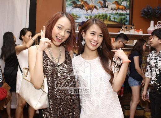 Cô nàng Băng Di cũng đến chức mừng shop thời trang của bạn.