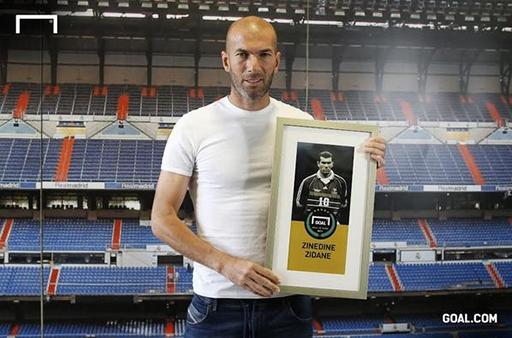 Zidane nhận giải thưởng của Goal