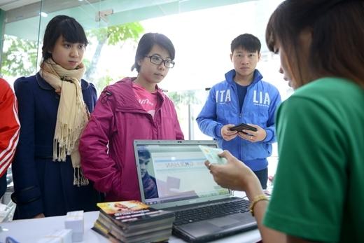 Các bạn trẻ Hà Nội đầu tiên cầm trên tay tấm vé vào cổng live concert Heartbeat - Tin sao Viet - Tin tuc sao Viet - Scandal sao Viet - Tin tuc cua Sao - Tin cua Sao