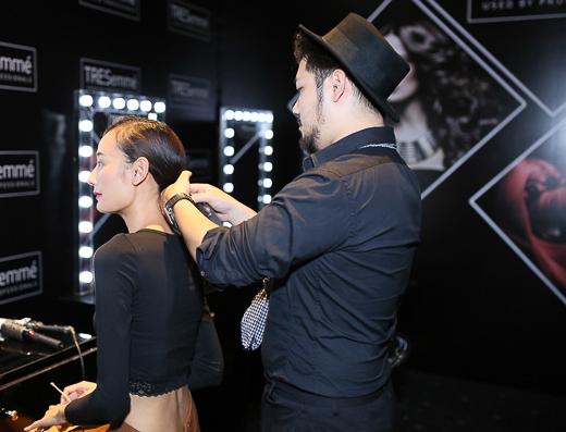 Một trong những điểm nhấn của chương trình là sẽ mang những kiểu tóc mới nhất từ New York Fashion week về trong show diễn lần này và kiểu tóc đóng vai trò rất quan trọng trong Elle Fashion lần này.