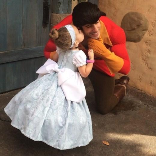 Khi cô bé Lọ Lem hôn hoàng tử
