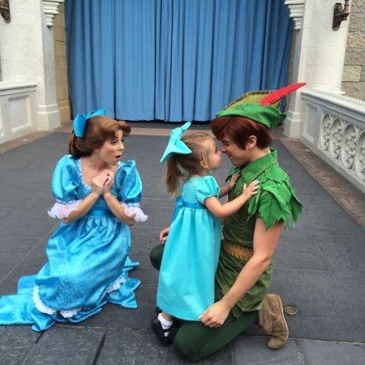 Wendy và nàng tiên tí hon Tinkerbell - hình ảnh nào phù hợp với cô nhóc hơn?