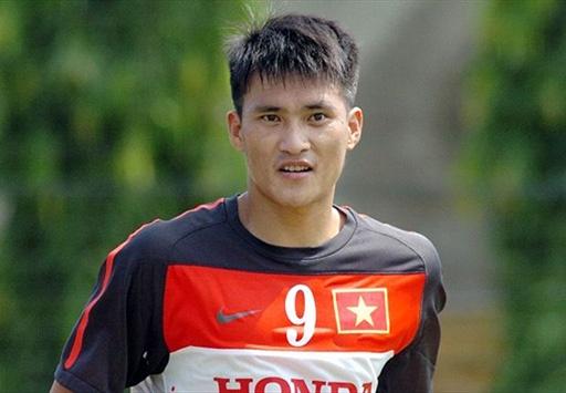 Theo quan điểm của HLV Hữu Thắng, Công Vinh đang là cầu thủ giá trị nhất Việt Nam