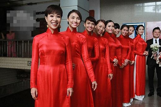Họ đã đến từ sớm để giúp đỡ gia đình Trà My, đám cưới linh đình diễn ra ngay sau đám hỏi. - Tin sao Viet - Tin tuc sao Viet - Scandal sao Viet - Tin tuc cua Sao - Tin cua Sao