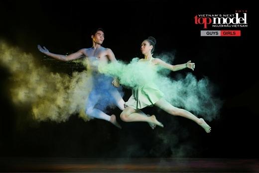 Bức ảnh của Quang Hùng và Thanh Tuyền không được BGK đánh giá cao. Chính vì lẽ đó mà cả 2 thí sinh bị rơi vào Top nguy hiểm.