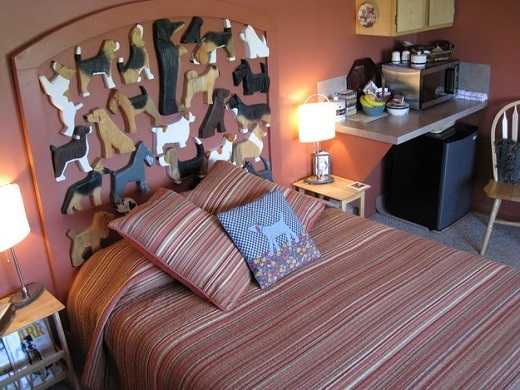 Dog Bark Inn nằm ở Cottonwood, Idaho, Mỹ