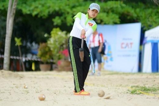 Bóng gỗ Việt Nam bất ngờ vượt qua Thái Lan ở chung kết đồng đội nữ bốn người tại ABG 2014. Ảnh: ABG4.