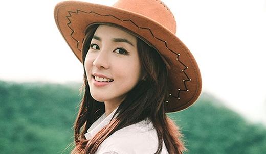 Trong danh sách này thật thiếu sót nếu như không nhắc đến Dara. Với gương mặt 'không tuổi' này, không ai có thể đoán được Dara vừa bước ra tuổi 30. Khi mới ra mắt, nhiều người nghĩ rằng Dara chính là em út của 2NE1.