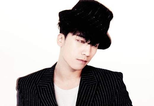 Mặc dù là em út của Big Bang, nhưng Seungri có vẻ chững chạc hơn các anh. Vừa mới nhìn Seungri, không ai có thể đoán được rằng cậu ấy chỉ mới 24 tuổi.