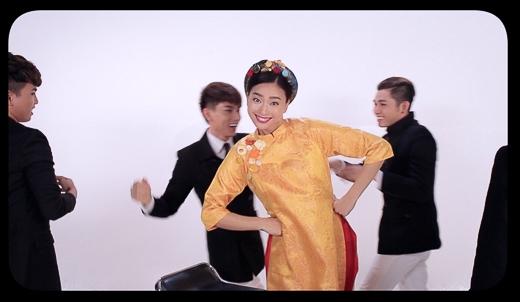 """Bối cảnh và ý tưởng của MV """"Hai cô tiên"""" cũng bắt nguồn từ bộ phim """"Ngày nảy ngày nay"""" và ca khúc chính thức ra mắt vào đầu tháng 12 . - Tin sao Viet - Tin tuc sao Viet - Scandal sao Viet - Tin tuc cua Sao - Tin cua Sao"""