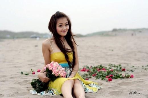 Rất giống với sự dễ thương của tiền vệ nhỏ con trên sân cỏ, sự hiền lành và nhí nhảnh của Thanh Huyền chiếm được cảm tình của nhiều người.