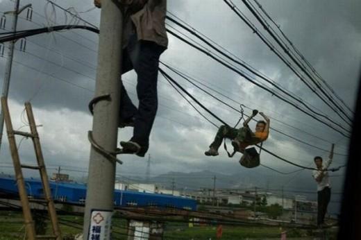 Thợ sửa điện kiêm diễn viên xiếc