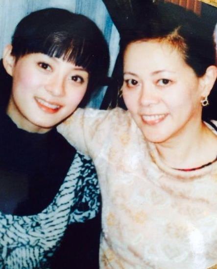 Tôn Lệ và mẹ
