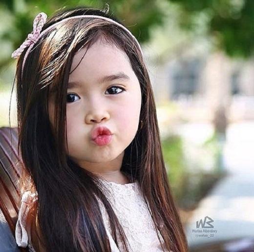 Cha của Breanna là người Hàn Quốc và mẹ cô bé là người Philippines