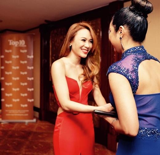 Mỹ Tâm đã được vinh danh bởi Nhà Xuất bản Top 10 of Asia dựa trên nghiên cứu khảo sát thực hiện bởi tạp chí về các nữ ca sĩ hàng đầu trên toàn Châu Á. - Tin sao Viet - Tin tuc sao Viet - Scandal sao Viet - Tin tuc cua Sao - Tin cua Sao