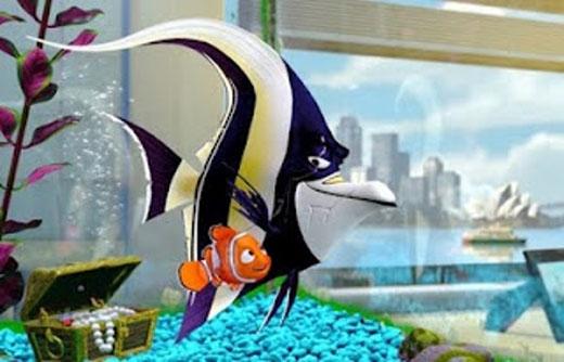"""Sau khi Finding Nemo ra mắt năm 2003, đã có những bản tin nói rằng rất nhiều trẻ em đã bỏ cá của mình vào bồn cầu và giật nước để """"thả tự do cho chúng"""". Một câu thoại trong phim đã nói rằng """"mọi ống thoát nước đều dẫn đến đại dương'."""