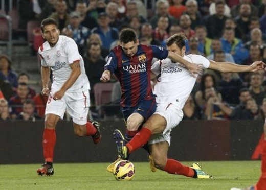 Messi tìm được sự hưng phấn bất ngờ, bấp chấp những áp lực tâm lý gần đây. Ảnh: Reuters.