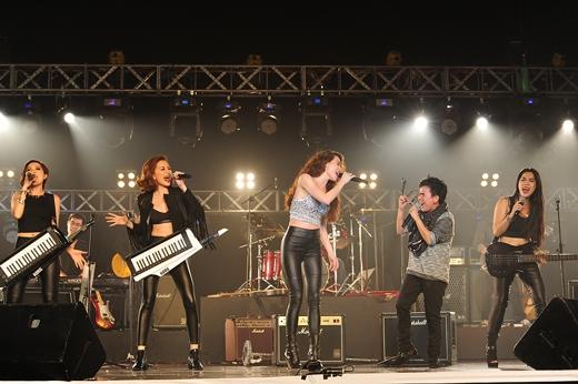 Phần 2 với sân khấu dành cho rock - Tin sao Viet - Tin tuc sao Viet - Scandal sao Viet - Tin tuc cua Sao - Tin cua Sao
