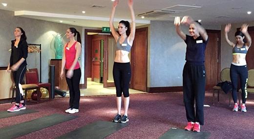 Các thí sinh được chia thành nhóm để tranh tài (mỗi nhóm 4 người) - Tin sao Viet - Tin tuc sao Viet - Scandal sao Viet - Tin tuc cua Sao - Tin cua Sao