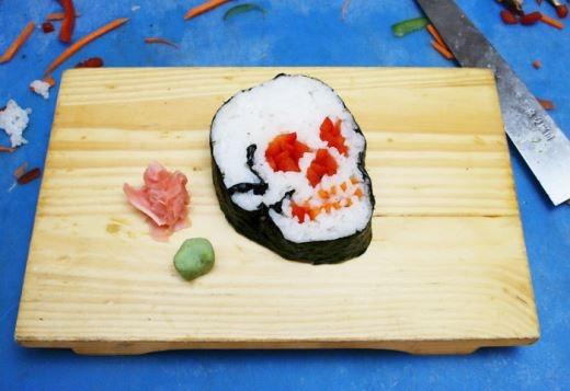 Đáng sợ sushi hình đầu lâu với trứng cá