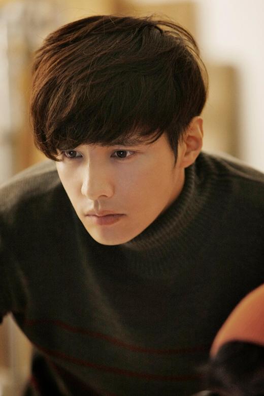 Sau sự thành công từ bộ phim truyền hình Autumn In My Heart, Won Bin đã trở thành một trong những diễn viên hàng đầu xứ Kim Chi. Sở hữu một gương mặt điển trai, lạnh lùng nhưng không kém phần quyến rũ, Won Bin chiếm trọn nhiều trái tim fan nữ trong lần đầu ra mắt. Tuy không tham gia quá nhiều dự án phim ảnh, nhưng hình tượng của Won Bin luôn có một vị trí không ai có thể thay thế được trong lòng người hâm mộ.