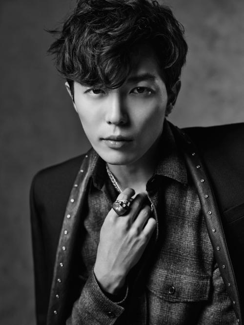 Kim Jae Wook không phải là một chàng trai 'đẹp hơn hoa' nhưng anh sở hữu một nét đẹp cuốn hút ngay từ cái nhìn đầu tiên. Với vai diễn trong phim Mary Stayed Out All Night, anh đã chiếm được tình cảm khán giả với lối diễn xuất đặc biệt mang dấu ấn của riêng mình.