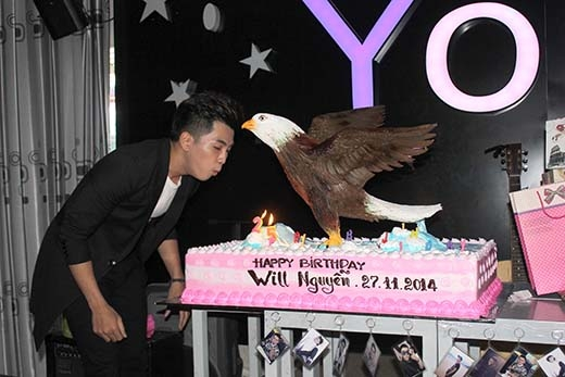 Cận cảnh chiếc bánh sinh nhật khổng lồ đáng ghen tỵ của Will. - Tin sao Viet - Tin tuc sao Viet - Scandal sao Viet - Tin tuc cua Sao - Tin cua Sao