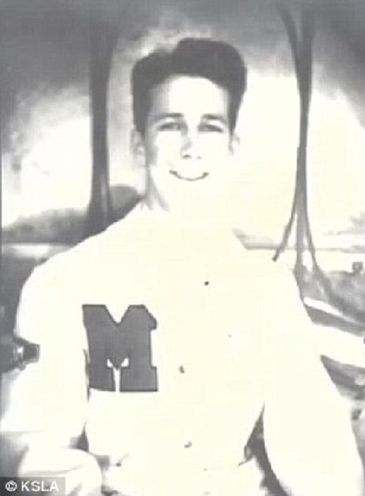 Ông Travis thời còn trẻ