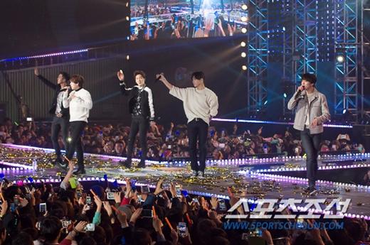 Một số hình ảnh của Winner trong chương trình GS & Concert