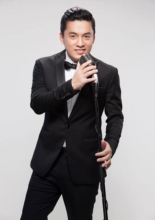 Lam Trường khoe vẻ điển trai , lịch lãm khi diện vest. Sắp tới đây anh sẽ tổ chức đám cưới với Yến Phương vào ngày 28/11 sau khi đã đính hôn được hơn 1 năm.