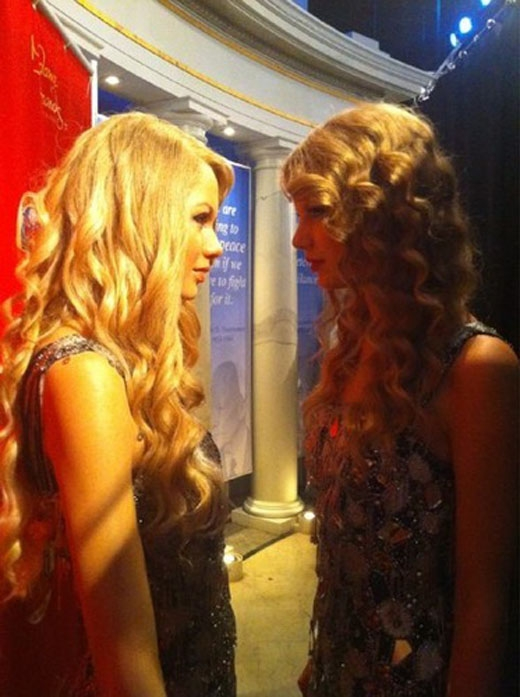 Taylor Swift lần đầu 'đối mặt' với tượng sáp của mình