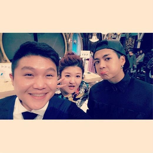 Cho Se Ho hạnh phúc khi được chụp ảnh cùng các thành viên của Roommate là Jackson và Lee Guk Joo: 'Thật vui khi được gặp mọi người'