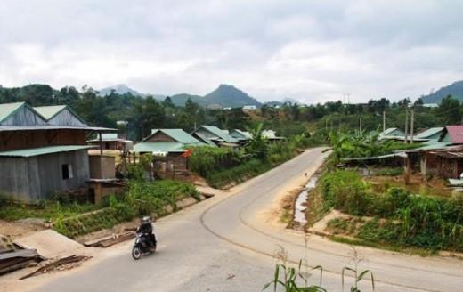 Làng Achiing, ngôi làng một thời được mệnh danh là làng Hàn Quốc nơi miền biên giới Tây Giang. Bây giờ bà con đã quay về đặt tên theo truyền thống.