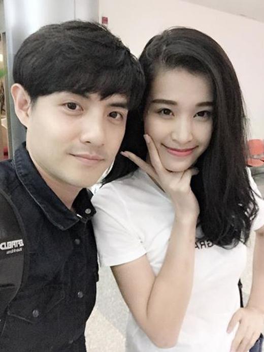 Cặp đôi Đông Nhi-Ông Cao Thắng khoe ảnh mới đến Đà Nẵng thân thương , ngay lập tức bức hình nhận được khá nhiều lượt like và bình luận của các fan về độ tình cảm của cặp đôi này