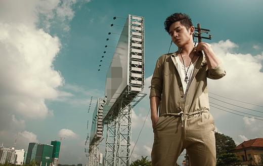 Vẫn tiếp tục theo dòng nhạc Pop/Dance thời thượng, nhưng trong MV mới, Sơn Ngọc Minh sẽ mang đến khán giả cái nhìn mới cùng một hình ảnh hiện đại, nam tính và mang chất riêng của mình. - Tin sao Viet - Tin tuc sao Viet - Scandal sao Viet - Tin tuc cua Sao - Tin cua Sao