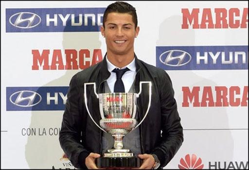 Ngôi sao Real nhận giải thưởng vua phá lưới La Liga với 31 bàn thắng. Đây là lần thứ 2 trong 5 mùa giải gần đây Ronaldo có vinh dự này.