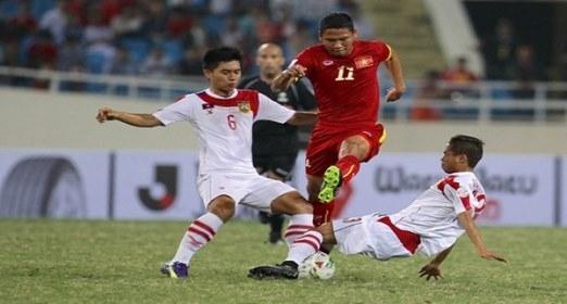 Tiền đạo Anh Đức chơi không đạt yêu cầu và bị thay ra sớm ở đầu hiệp 2 (ảnh Ngọc Quỳnh)