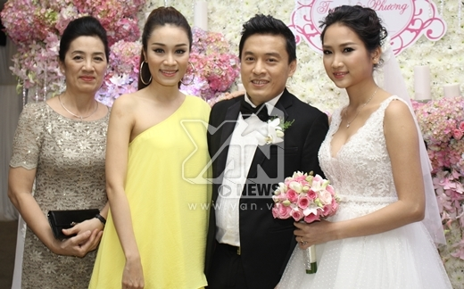 Mẹ con Minh Thư và vợ chồng Lam Trường - Tin sao Viet - Tin tuc sao Viet - Scandal sao Viet - Tin tuc cua Sao - Tin cua Sao